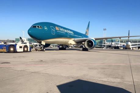 Xe bốc dỡ hỏng, Vietnam Airlines không trả được hành lý cho khách