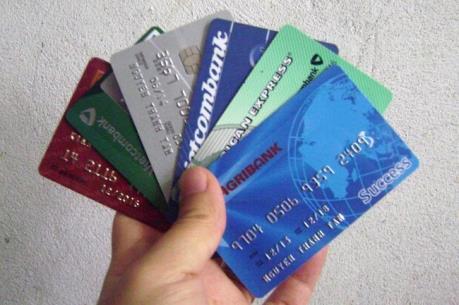 Tạm giữ hình sự hai người Trung Quốc dùng thẻ ATM giả rút trộm tiền