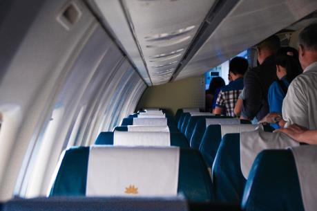 Máy bay Vietnam Airlines hạ cánh tại Lào thay vì về Hà Nội