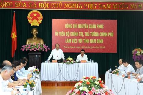 Thủ tướng Nguyễn Xuân Phúc nhắc Nam Định đẩy nhanh giải ngân vốn đầu tư