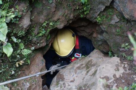 Đánh sập hang Nước sau khi tìm thấy thi thể 3 phu vàng