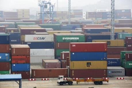 Thặng dư thương mại dịch vụ của EU sụt giảm