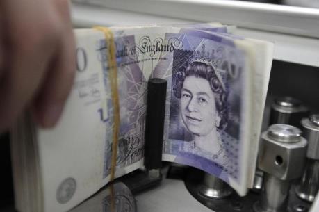 Đồng bảng Anh mất giá và những tác động trái chiều