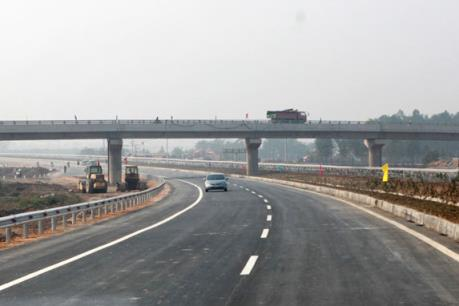 Tháng 7 giải tỏa vi phạm hành lang an toàn Quốc lộ 3
