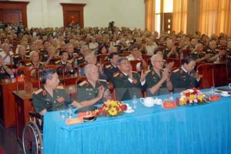 Hỗ trợ chi trả tiền lương tháng cho quân nhân nghỉ chờ hưu