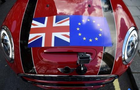 """Khu vực dịch vụ của nước Anh """"mất"""" nhiều vì Brexit"""