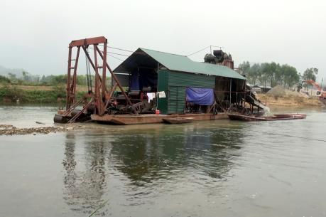 Phó Thủ tướng Trịnh Đình Dũng: Xử lý nghiêm hành vi khai thác khoáng sản trái phép