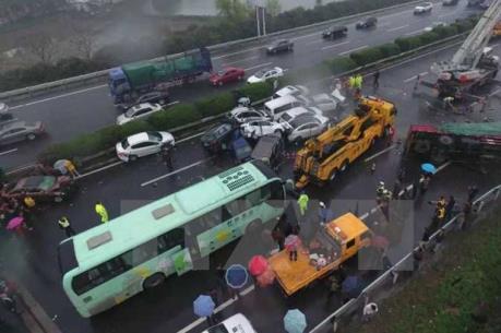 Tai nạn giao thông thảm khốc tại Trung Quốc khiến 30 người thương vong