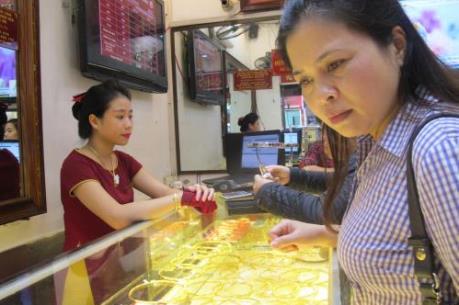 Giá vàng trong nước đồng loạt giảm ngay phiên đầu tuần