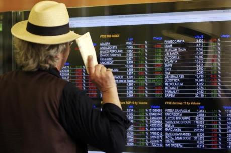 """Sự lao dốc của cổ phiếu ngân hàng làm """"rung lắc"""" hệ thống tài chính Italy"""