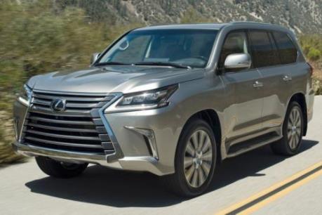 Toyota Việt Nam điều chỉnh giá xe nội giảm, xe nhập tăng