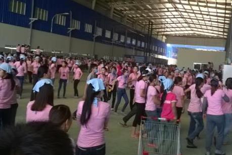 Vụ công nhân nghỉ việc tập thể ở Quảng Nam: Đình chỉ tạm thời hai cán bộ