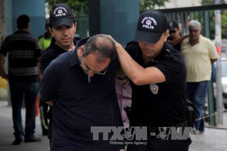 Vụ đảo chính ở Thổ Nhĩ Kỳ: Đình chỉ hơn 1.000 thẩm phán, công tố viên và cảnh sát