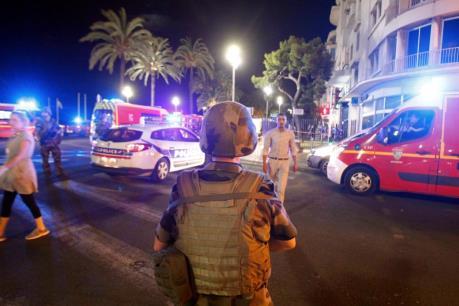Pháp gia hạn tình trạng khẩn cấp thêm 6 tháng
