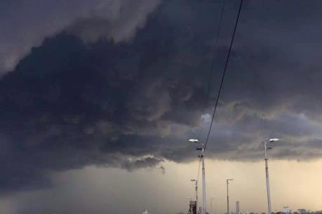 Dự báo thời tiết đêm 21/7: Bắc Bộ có mưa dông về đêm và sáng, đề phòng tố lốc
