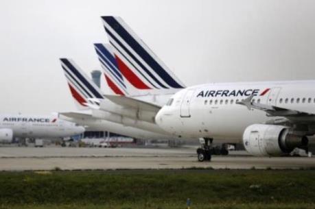Nhân viên phi hành đoàn Air France đình công giữa mùa cao điểm du lịch