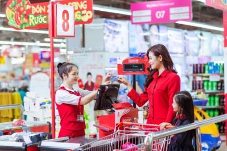 Sở hữu siêu thẻ Vingroup, trúng siêu xe Camry