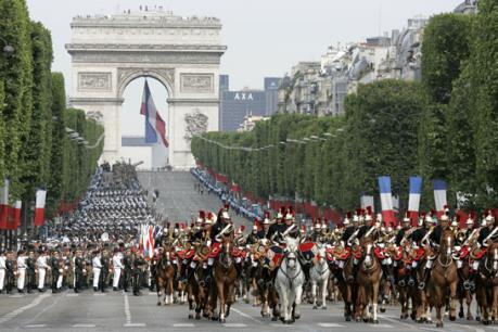Pháp hủy hàng loạt lễ hội trong mùa Hè sau loạt vụ tấn công đẫm máu