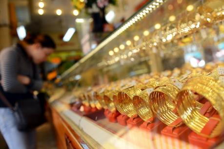 Giá vàng trong nước ngày 4/8 giảm theo đà của giá vàng thế giới