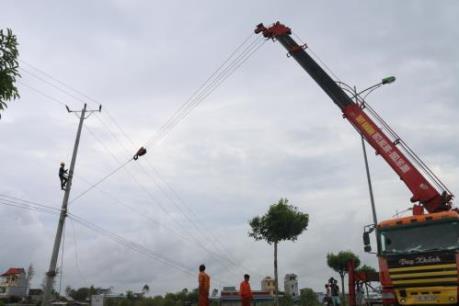Cột điện đổ sau bão số 1: Điện lực miền Bắc lên tiếng