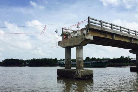 Phó Thủ tướng chỉ đạo khẩn trương làm rõ nguyên nhân sập cầu Ô Rô ở Cà Mau