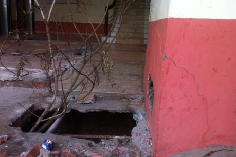 Sập nền sàn nhà chung cư ở Hà Nội: Người dân không khỏi lo lắng