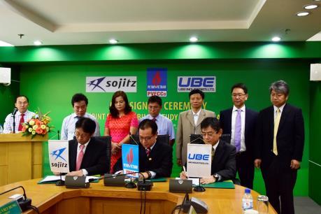 PVFCCo ký bản ghi nhớ nghiên cứu tiền khả thi dự án Nhà máy Amoniac với Nhật Bản