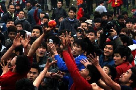 Thay đổi hình thức tổ chức lễ hội cướp phết để bớt bạo lực