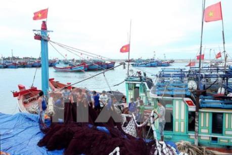 Nâng cao nhận thức về bảo vệ và phát triển bền vững biển, hải đảo