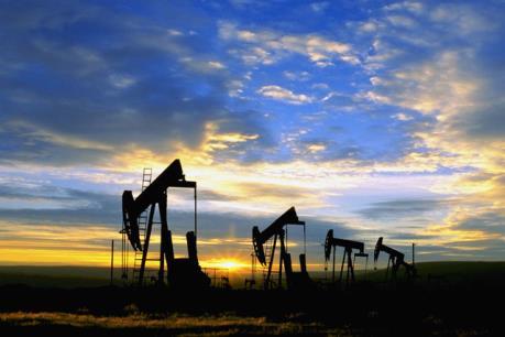 Giá dầu tăng 1,5% nhờ dự trữ dầu thô Mỹ giảm mạnh
