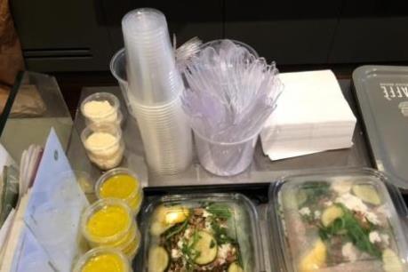 Pháp cấm sử dụng hộp nhựa đựng thức ăn