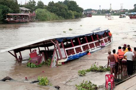 Lật tàu ở Thái Lan: Số nạn nhân thiệt mạng lên tới 29 người