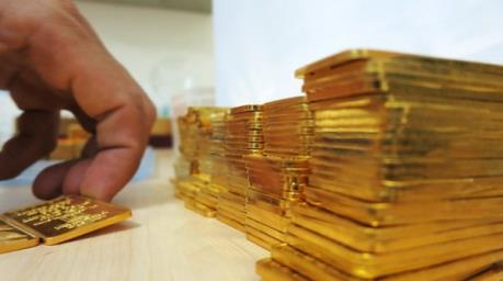 Giá vàng châu Á dứt chuỗi sáu phiên tăng liên tiếp