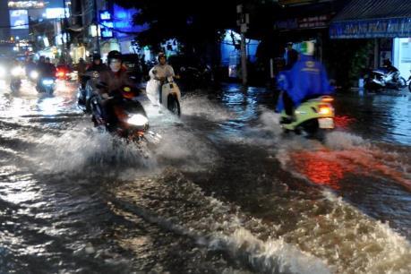 Dự báo thời tiết 10 ngày tới: Nam Bộ mưa dông rải rác, đề phòng gió giật mạnh