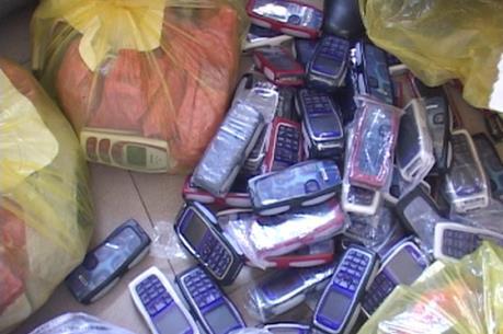 Hải quan Lào Cai bắt giữ hơn 700 chiếc điện thoại Nokia nhập lậu