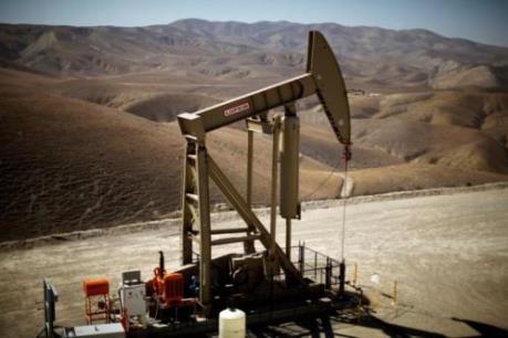 Giá dầu châu Á giảm trong phiên đầu tuần