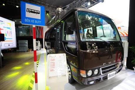 FUSO giới thiệu mẫu xe khách ROSA phiên bản đặc biệt 22 chỗ ngồi