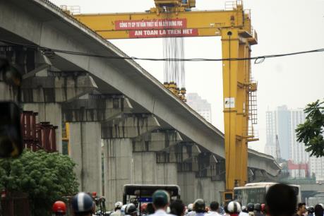 Hợp long phiến dầm cuối cùng dự án đường sắt đô thị Cát Linh-Hà Đông