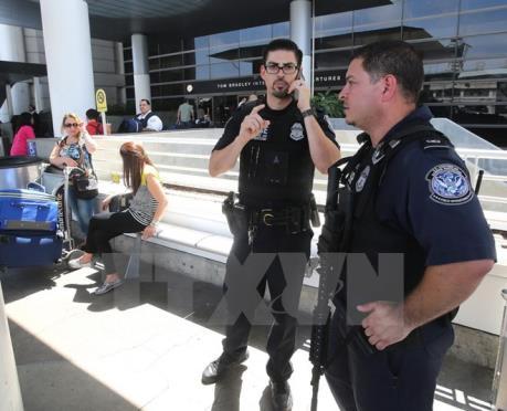 Hai cảnh sát Mỹ bị bắn chết tại California
