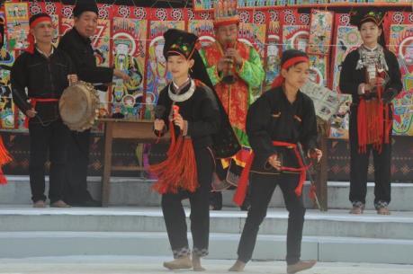 Độc đáo lễ hội cầu mùa ở vùng Viễn Sơn