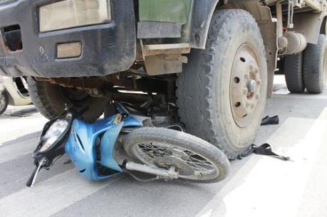Đắk Nông: Xe tải va chạm xe máy gây thương vong