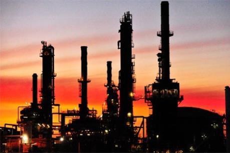 Giá dầu châu Á ngày 10/10 giảm do mối lo dư cung