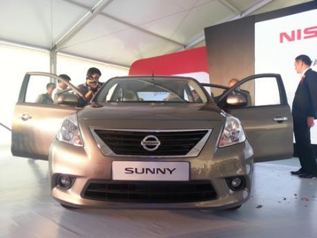 Nissan Sunny giảm giá gần 30 triệu đồng