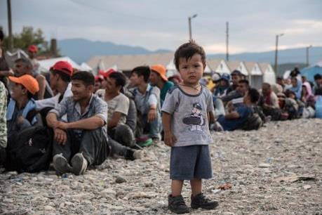 Anh đồng ý tiếp nhận 300 trẻ em Syria từ khu lán trại tị nạn ở Calais