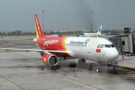 Nhiều chuyến bay bị hoãn và hủy do mưa lũ ở miền Trung