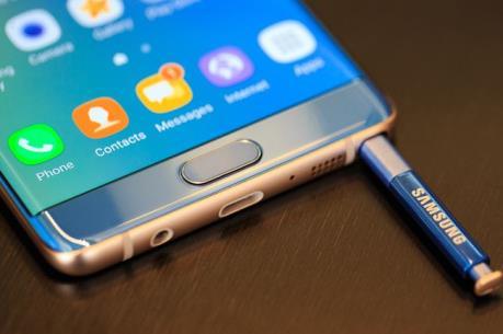 EgyptAir cấm điện thoại Samsung Galaxy Note 7 trên các chuyến bay