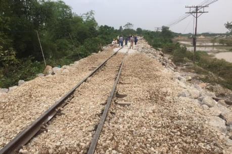 Chính thức thông tuyến đường sắt Bắc - Nam sau ảnh hưởng mưa lũ