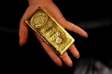 Vàng châu Á lên giá phiên thứ ba liên tiếp