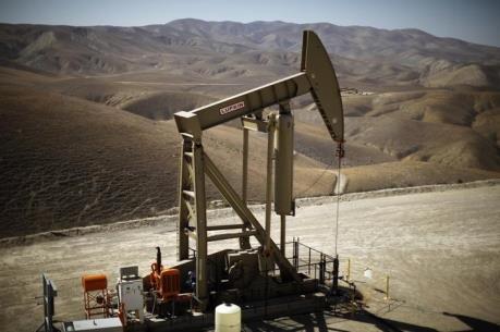 Giá dầu thế giới ngày 18/10 đi lên