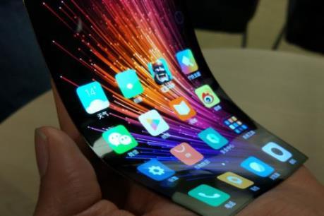 Xiaomi gây ấn tượng với mẫu màn hình có thể bẻ cong